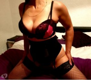 Risla escorts in Peachtree City